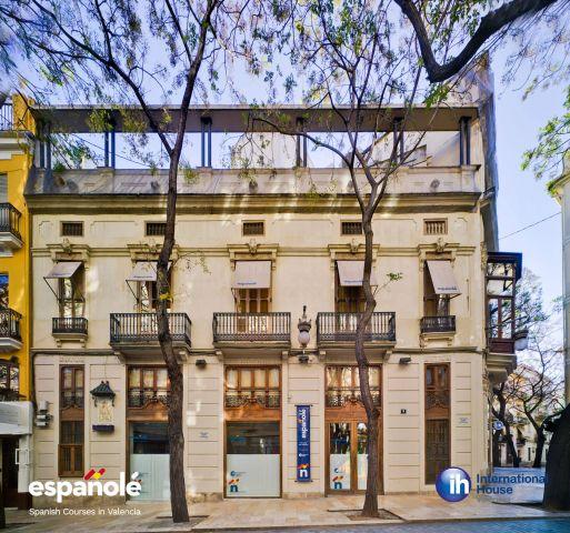 Espanole_Ih_Valencia_3-1055-640-480-80 (1)